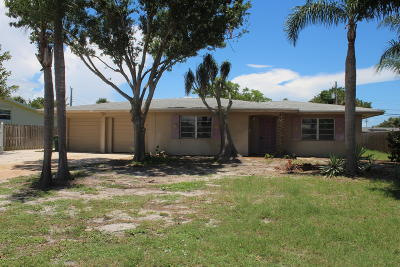 Indian Harbour Beach Single Family Home For Sale: 1114 Seminole Drive