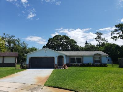 Melbourne Single Family Home For Sale: 337 Cinnamon Lake Circle