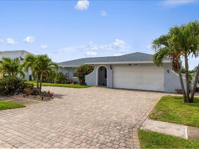 Merritt Island Single Family Home For Sale: 1555 Bella Casa Court