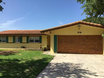 Cocoa Beach Single Family Home For Sale: 208 Bahama Boulevard