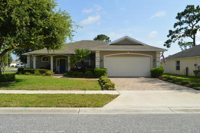 Titusville Single Family Home For Sale: 4028 Rolling Hill Drive
