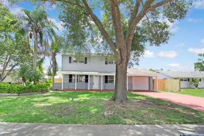 Rockledge Single Family Home For Sale: 1718 Hubbard Drive