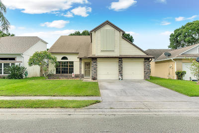 Melbourne Single Family Home For Sale: 1551 Clover Circle