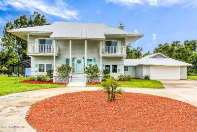 Merritt Island Single Family Home For Sale: 5665 S Tropical Trail