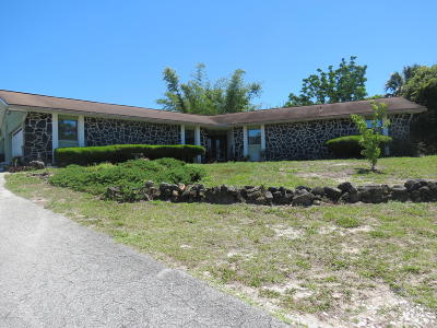 Titusville Single Family Home For Sale: 1505 S Carpenter Road S