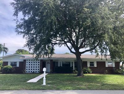 Merritt Island Single Family Home For Sale: 380 Pine Boulevard
