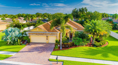 Merritt Island Single Family Home Contingent: 738 Mandalay Grove Court