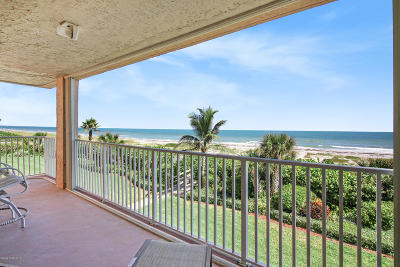 Cocoa Beach Condo For Sale: 1527 S Atlantic Avenue #301
