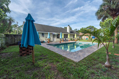 Cocoa Single Family Home For Sale: 5470 Friendly Street
