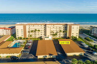 Cocoa Beach Condo For Sale: 55 N 4th Street #108