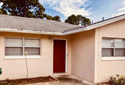 Merritt Island Half Duplex For Sale: 105 Minna Lane