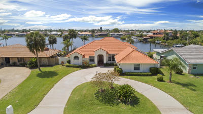 Melbourne Beach, Indialantic, Indian Harbour Beach, Satellite Beach, Cocoa Beach, Melbourne, West Melbourne, Vero Beach Single Family Home For Sale: 441 Red Sail Way