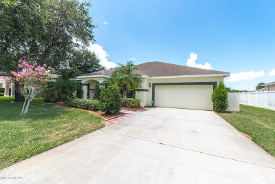 Titusville Single Family Home For Sale: 1056 Cady Circle