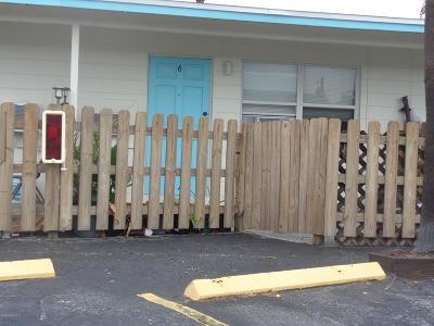 Cocoa Beach Condo For Sale: 490 S Orlando Avenue #6