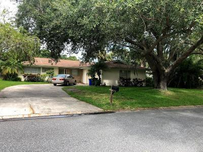 Rockledge Single Family Home For Sale: 1215 Wentworth Circle