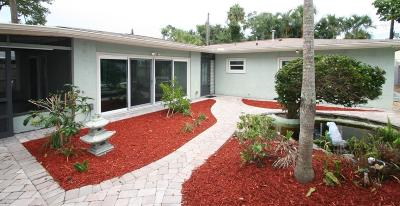 Cocoa Beach Single Family Home For Sale: 385 Cedar Avenue
