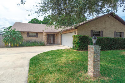 Rockledge Single Family Home For Sale: 943 Pineland Drive