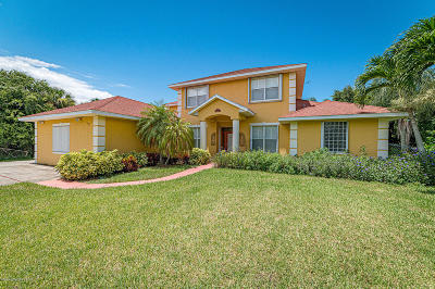 Melbourne Beach Single Family Home For Sale: 160 River Drive