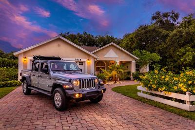 Merritt Island Single Family Home For Sale: 3828 S Tropical Trl