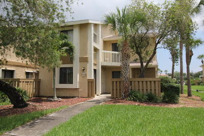 Palm Bay Townhouse For Sale: 1020 Abada Court NE #105