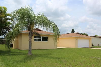Merritt Island Single Family Home For Sale: 455 Riverside Avenue