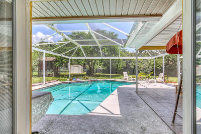 Brevard County Single Family Home For Sale: 1375 Cherry Hills Road NE