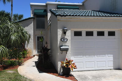 Satellite Beach Townhouse Contingent: 31 Emerald Court