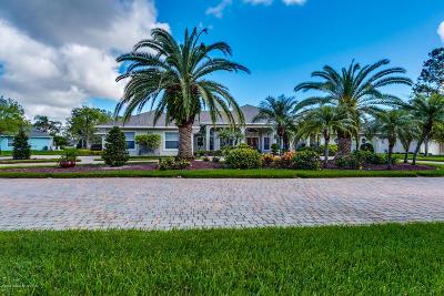 Titusville Single Family Home For Sale: 580 Willowgreen Lane