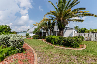 Indialantic Single Family Home For Sale: 182 Sand Pine Road