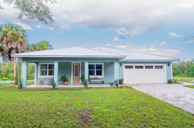 Merritt Island Single Family Home For Sale: 1865 S Banana River Drive