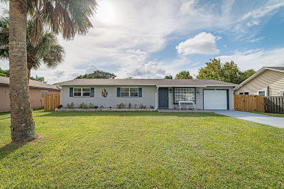Palm Bay Single Family Home For Sale: 710 Becker Avenue NE