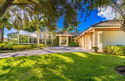 Melbourne Beach Single Family Home For Sale: 200 Riverside Drive