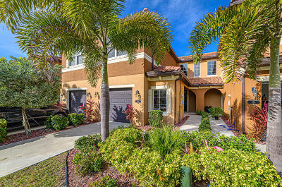 Satellite Beach Townhouse For Sale: 128 Redondo Drive