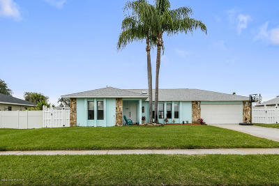 Satellite Beach Single Family Home For Sale: 380 Maple Drive