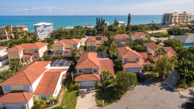 Melbourne Beach Single Family Home For Sale: 7364 Stuart Avenue