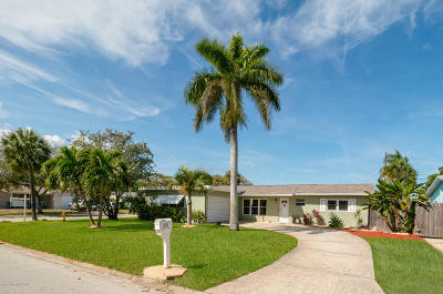 Satellite Beach Single Family Home For Sale: 450 Rosedale Drive