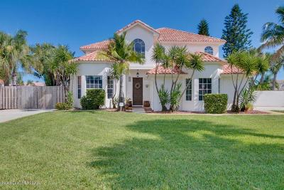 Melbourne Beach Single Family Home For Sale: 438 Sandy Key