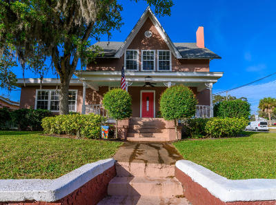 Melbourne Single Family Home For Sale: 1800 Pineapple Avenue