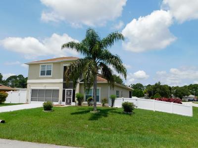 Palm Bay Single Family Home For Sale: 294 Greenway Avenue NE