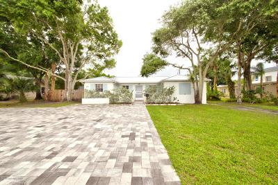Melbourne Single Family Home For Sale: 528 E Strawbridge Avenue
