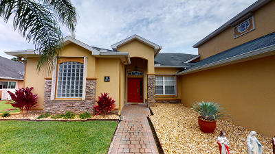 Palm Bay Single Family Home For Sale: 407 Easton Forest Circle SE