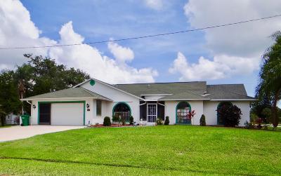 Sebastian Single Family Home Contingent: 302 Citrus Avenue