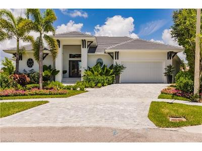 Marco Island Single Family Home For Sale: 950 Moon Ct