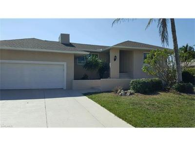 Marco Island Single Family Home For Sale: 721 Tigertail Ct