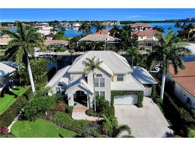 Marco Island Single Family Home For Sale: 736 Plantation Ct