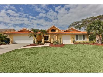 Bonita Springs Single Family Home For Sale: 9790 Treasure Cay Ln