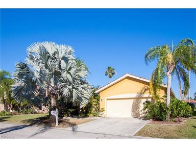 Fort Myers Single Family Home For Sale: 11161 Lakeland Cir