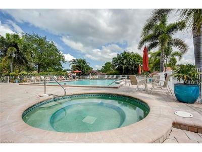 Condo/Townhouse For Sale: 586 W Beachwalk Cir #O-202