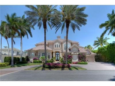 Fort Myers Single Family Home For Sale: 11250 Longwater Chase Ct