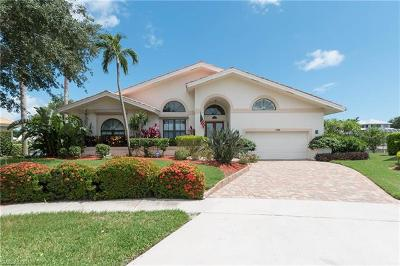 Marco Island Single Family Home For Sale: 1696 Rainbow Ct